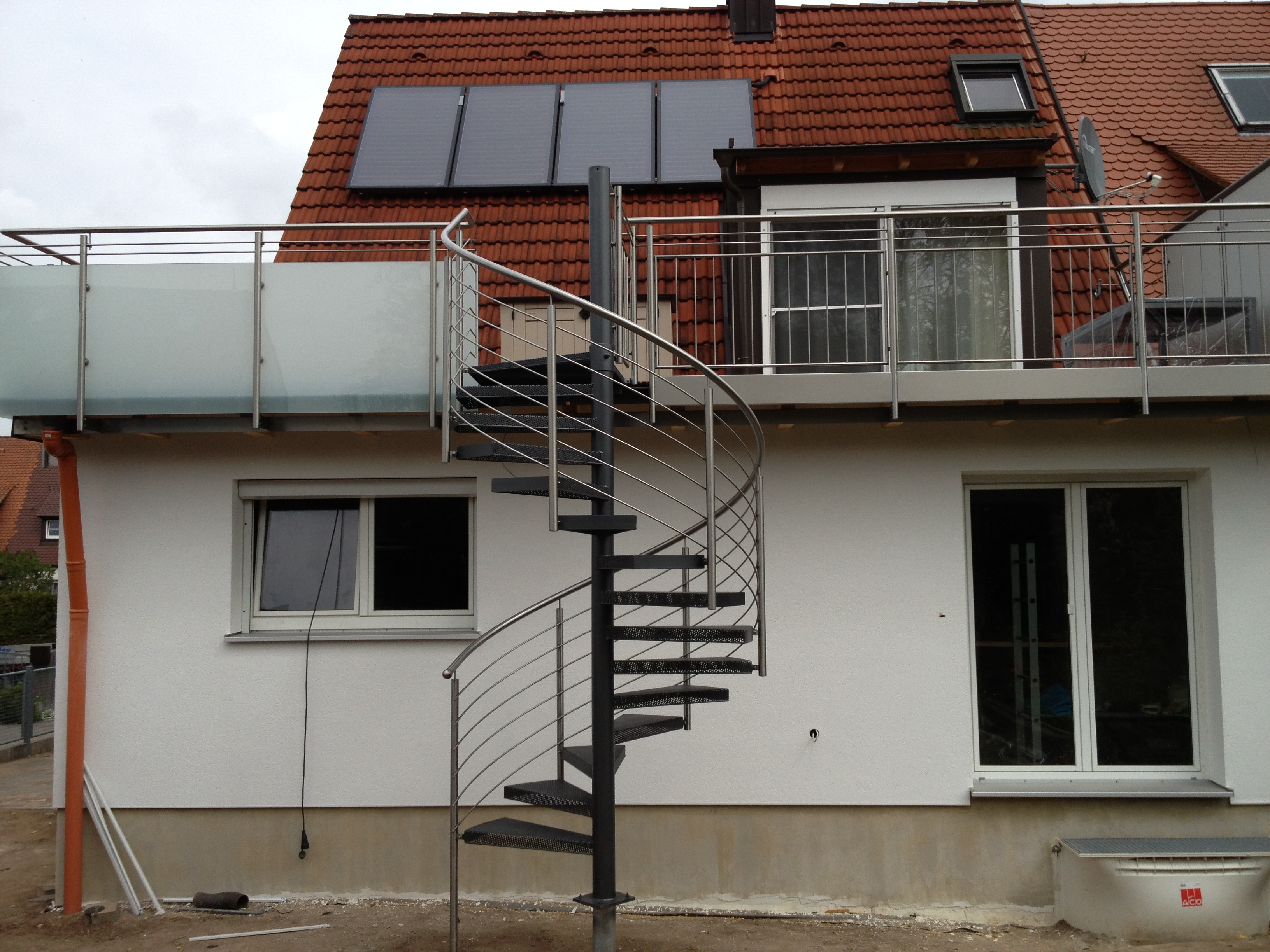 Treppenhaus nach außen verlegen  Aussen Treppen - aussen Treppe 204