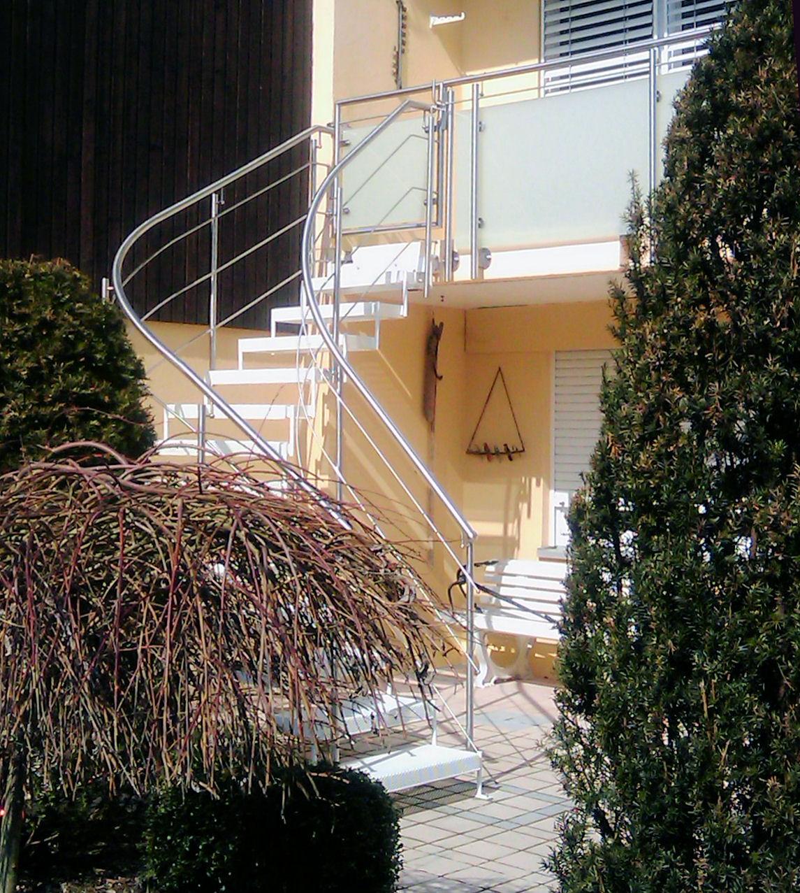 aussen treppen treppe 1 4. Black Bedroom Furniture Sets. Home Design Ideas