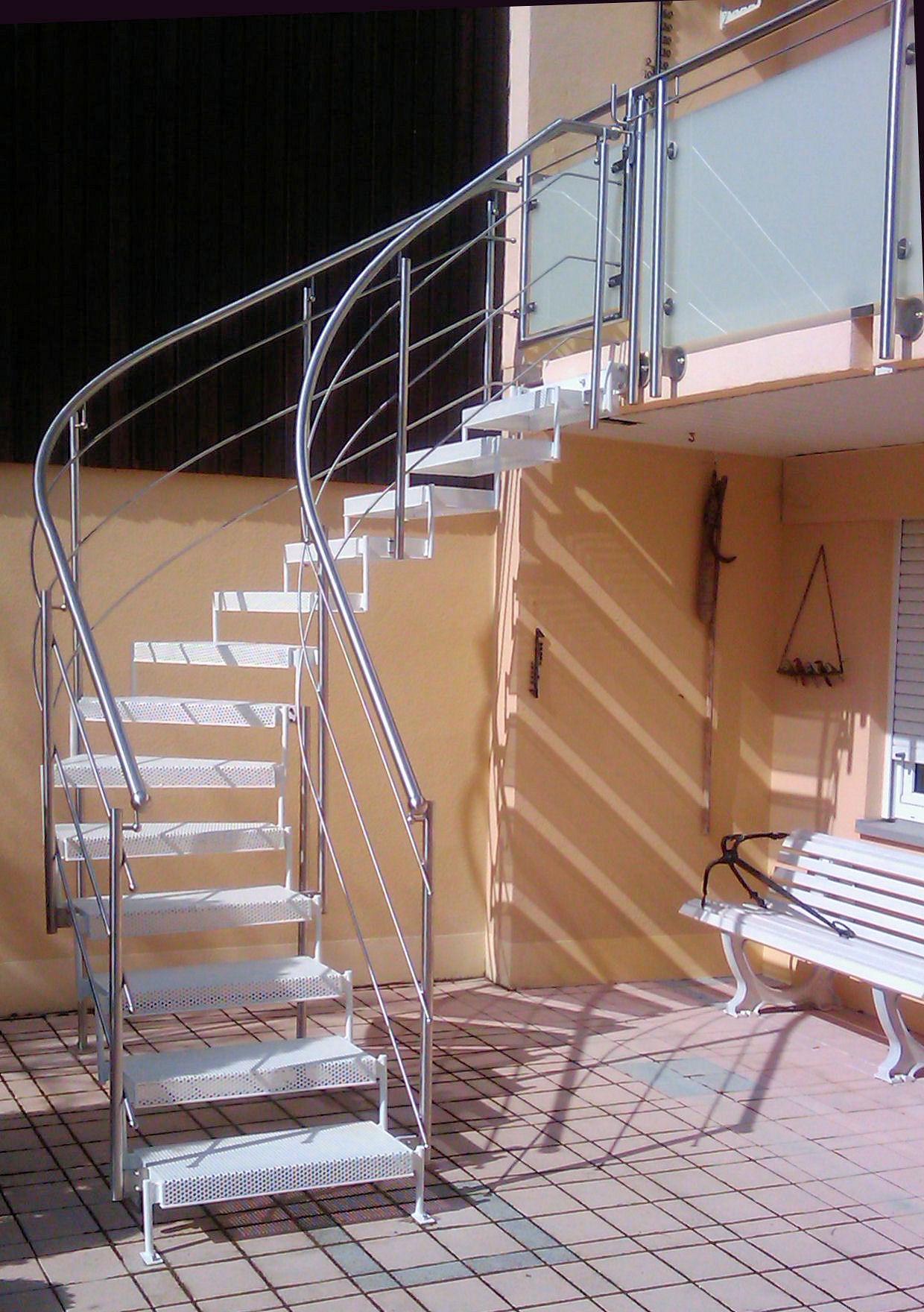 aussen treppen treppe 1. Black Bedroom Furniture Sets. Home Design Ideas