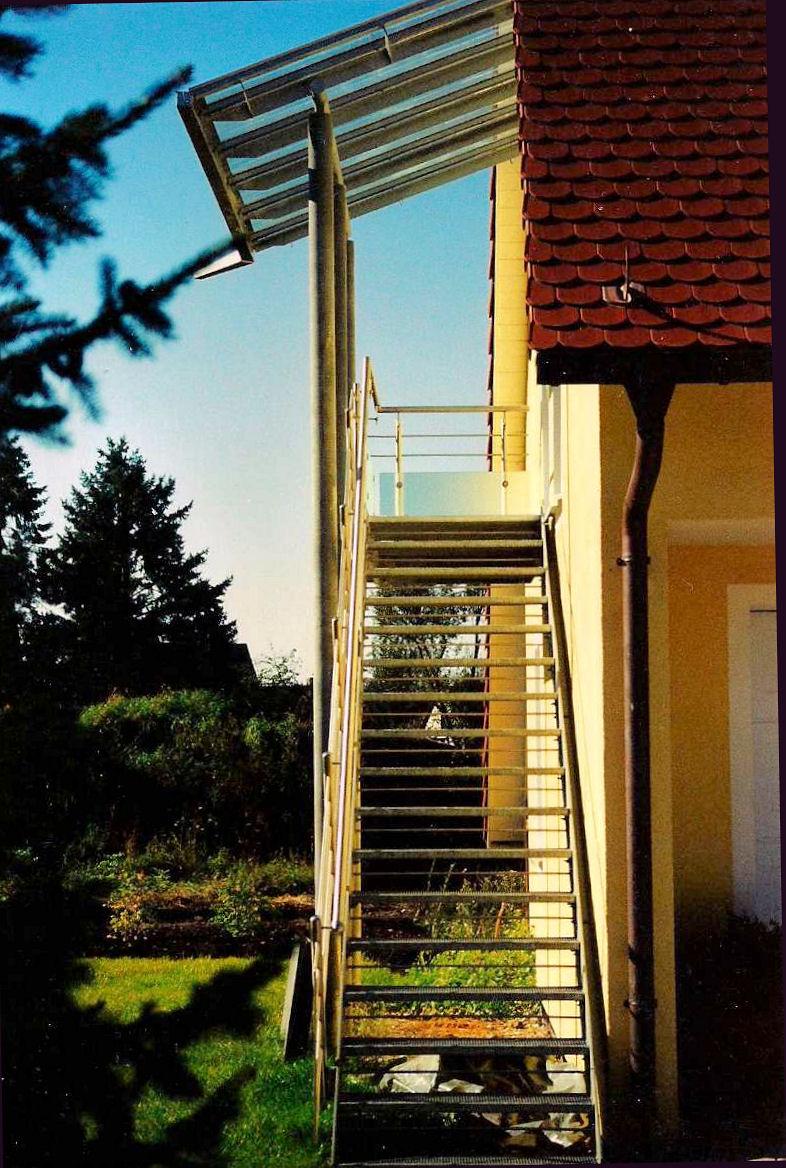 aussen treppen treppe 8 2. Black Bedroom Furniture Sets. Home Design Ideas