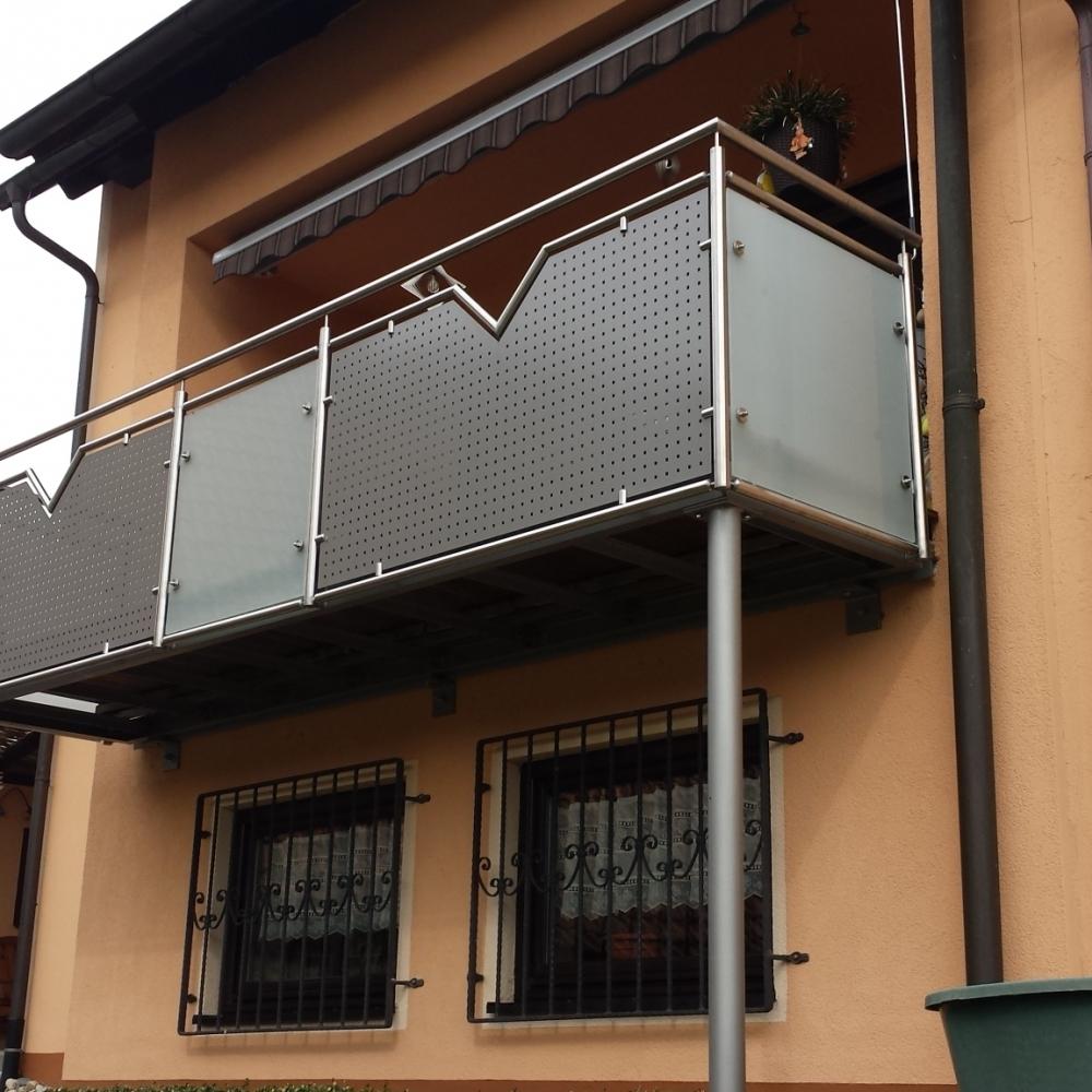 Wie Hoch Muss Balkongeländer Sein balkone balkongeländer 251